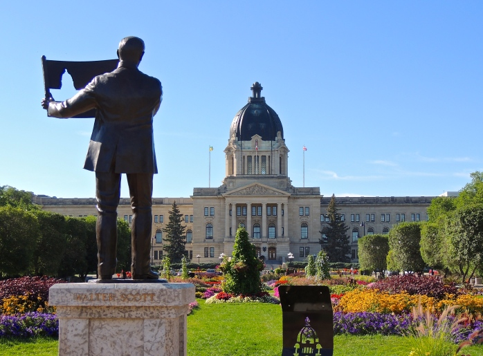 New statue of Sir Walter Scott, the first premier of Saskatchewan