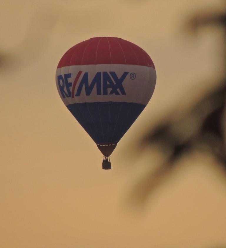 Remax balloon from my balcony