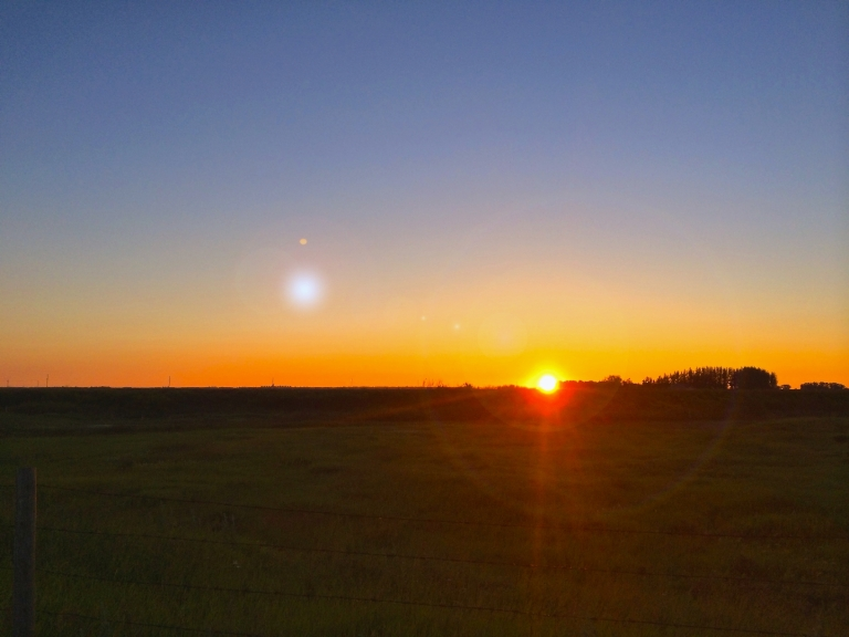 morning sunrise on the prairies