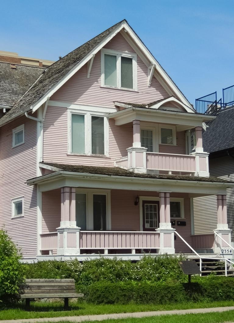 pink house-2.jpg