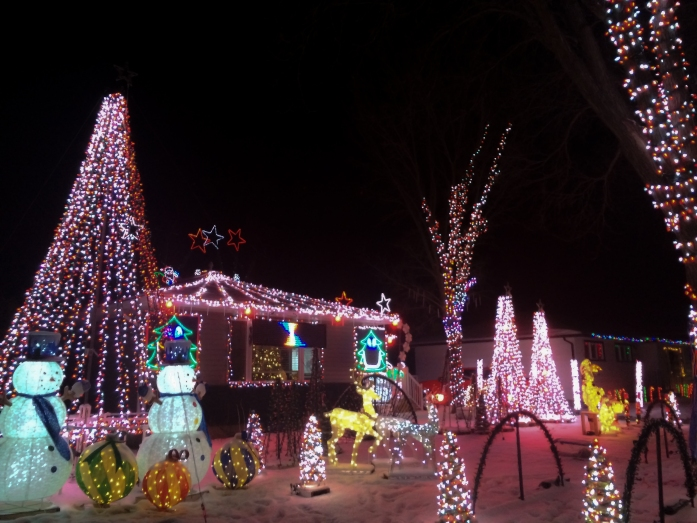 christmas-lights-saskatoon-2
