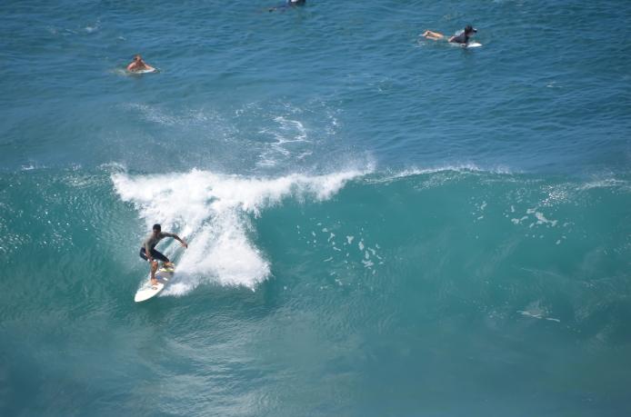 maui-surfer-2