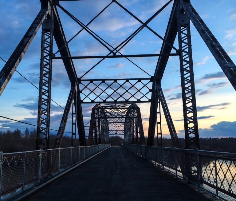 Battleford pedestrian bridge 8