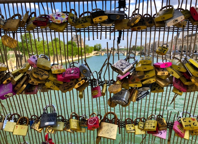 pont des arts bridge 1